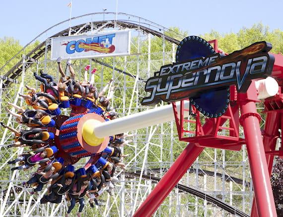 The Great Escape & Splashwater Kingdom - Six Flags