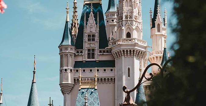 12 WALT DISNEY WORLD SECRETS AND FUN FACTS