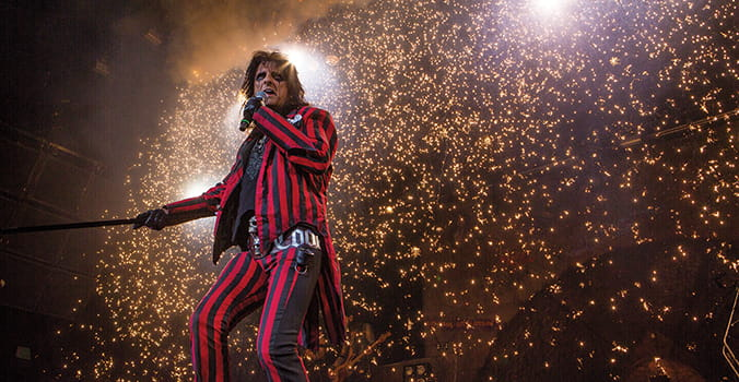 Behind the Curtain With Alice Cooper