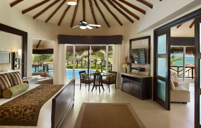 Luxurious Suite at Eldorado Casitas with deck and pool
