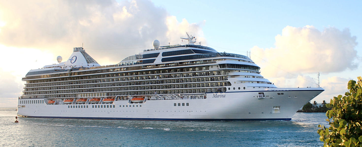 Oceania Cruise ship, Marina, headed for port