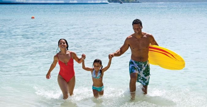 RCI_Voyager_BeachFamily_4