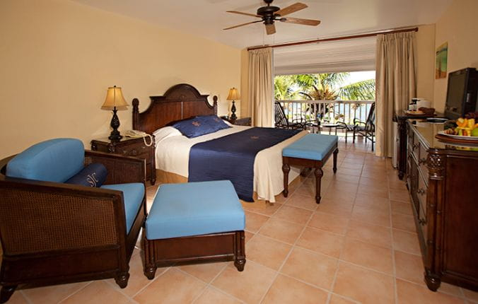 Upscale Guest Suites at St. Jame's Club and Villa